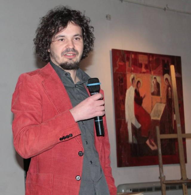 Damian Nowak o genealogii opowiada jak o sensacyjnej książce. Każdy chce zacząć pisać swoją