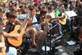 Happening Gitarowy 2013 – weź gitarę i przyjdź zagrać na rynku