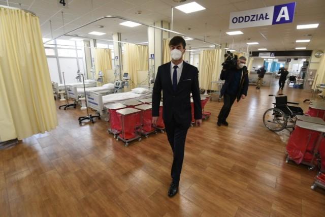 Tak wygląda wnętrze szpitala tymczasowego w Ciechocinku. Tutaj będą leczeni pacjenci z COVID-19 z całego województwa Kujawsko-Pomorskiego.