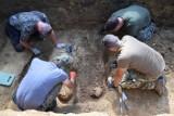 W Przemyślu udało się odnaleźć ogromny cmentarz z okresu I wojny. Spoczywa tutaj od 1,5 do nawet 3,5 tys. żołnierzy! [WIDEO, ZDJĘCIA]
