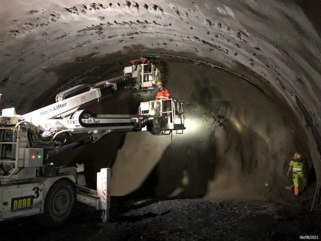 Wnętrza tuneli, które powstają na S3. Sceneria jak z filmu sci-fi