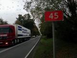 Trzy oferty na budowę szlaku dla pieszych i rowerzystów przy drodze Wieluń-Gaszyn