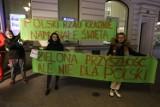 Premier Morawiecki jako św. Mikołaj na Pietrynie. Protest Strajku dla Ziemi w Łodzi