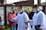 Wielkanoc 2021. Święcenie potraw w Zbąszyniu, parafia pw. NMP Wniebowziętej - 3 kwietnia 2021 [Zdjęcia godz.12.00]