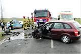 Gm. Obrzycko. Zderzenie aut w Kobylnikach. 3 osoby trafiły do szpitala. Znamy szczegóły.