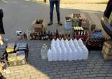 73-letni koszalinianin handlował alkoholem i papierosami bez akcyzy. Już usłyszał zarzuty [zdjęcia]