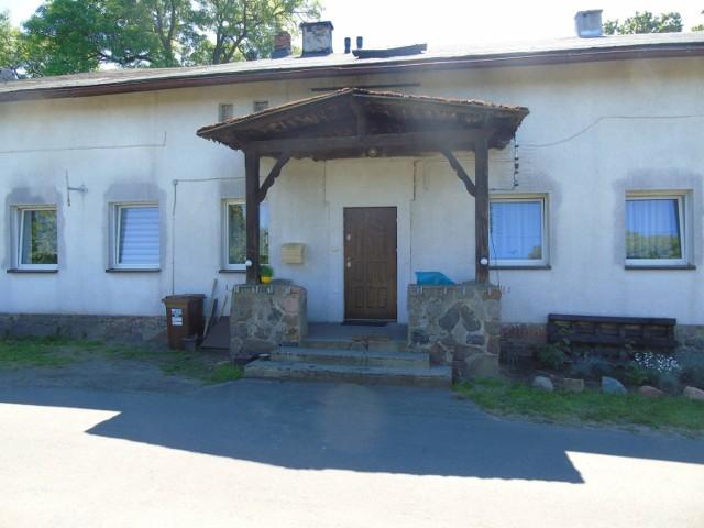 Warto odwiedzić Gorzuchowo, gdzie znajduje się dworek, w którym mieszkał generał Józef Haller