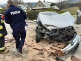 Auta zablokowały drogę z Grybowa do Krynicy-Zdroju. Ranny trafił do szpitala