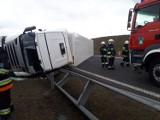 Na autostradzie A1 w okolicy Warlubia przewróciła się ciężarówka. Były duże utrudnienia