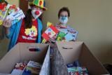 Dr Clown z prezentami dla małych pacjentów szpitala klinicznego w Opolu