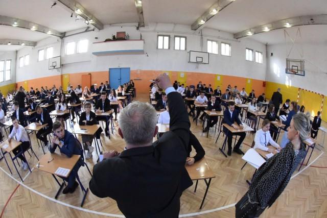 Powiększą klasy w ogólniakach żeby każdy znalazł miejsce w szkole