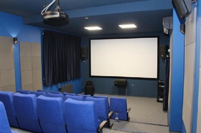 Co z kinem?