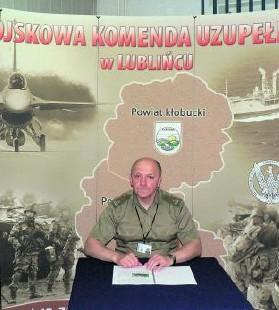 Major Tadeusz Lipiński, szef WKU zachęca do wstąpienia do NSR
