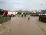 Kamienica. Drogą płynęła rzeka, która zalewała domy. Zbludza znów pod wodą po oberwaniu chmury [ZDJĘCIA]