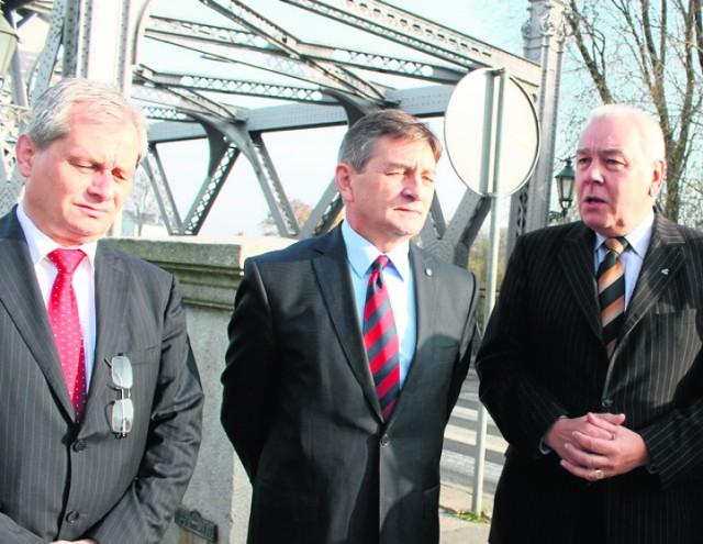 Przed wyborami lobbując mostem starosta Maciej Stefański zaprosił do Brzegu przyszłego marszałka Marka Kuchcińckiego.