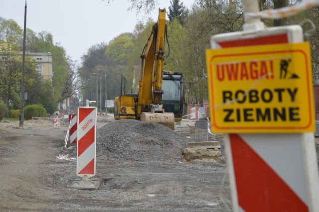 Połączony remont ulic: Warszawskiej, Walczaka i Cichońskiego trwał w sumie 14 miesięcy!