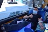 Pruszcz Gdański. Oddawali krew w krwiobusie podczas akcji Prześlij krew na poczcie |ZDJĘCIA