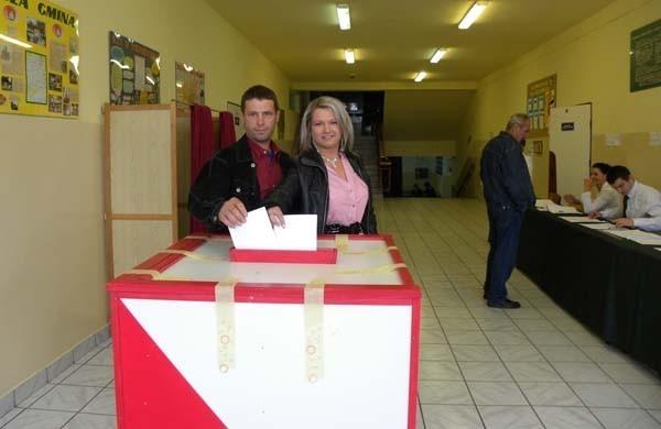 Roksana Kulak i Wojciech Kulak z Lgoty Mokrzeszy głosowali w Lgocie Górnej
