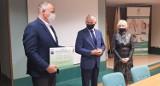 Gmina Kościerzyna przekazała szpitalowi 100 tys. zł. Pieniądze pozwolą na zakup sprzętu dla oddziału ginekologicznego
