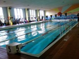 Dwudziestka zaprasza na pływalnię. Dla uczniów wstęp darmowy