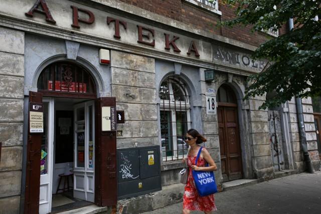 XIX-wieczna kamienica przy ul. Kościuszki 18 - w której mieściła się apteka Pod Aniołem - znajdzie się w rejestrze zabytków, by zaświadczać o przeszłości i tradycjach Półwsia