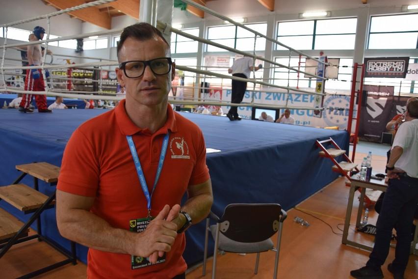 Trwają mistrzostwa Polski w kick-boxingu w Szczecinku [zdjęcia]