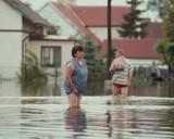 Największe katastrofy naturalne w Polsce na archiwalnych zdjęciach: powodzie, tornada i orkany. Jak walczyliśmy z żywiołem?