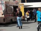 Majówka 2021 w Łodzi. Co robić w majowy weekend w Łodzi? Food trucki, stragany na Piotrkowskiej, majówka w zoo. Imprezy 1-3 maj