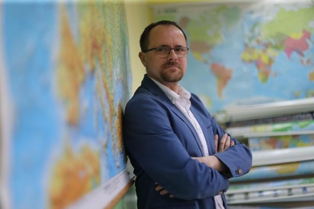 Damian Dąbrowski - nauczyciel geografii, którego pasją jest meteorologia
