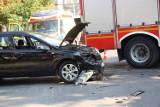 Wypadek na skrzyżowaniu ulic Artyleryjskiej i Hutników w Legnicy, dwie osoby ranne