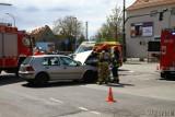 Wypadek w Opolu. Na skrzyżowaniu ulicy 1 Maja z Plebiscytową opel zderzył się z volkswagenem