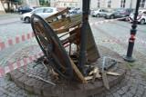 Wjechał w zabytkową studnię w Jarosławiu. Jaka kara czeka kierowcę?