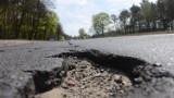 """Lubuskie. Dane GDDKiA nie pozostawiają złudzeń. Nasze drogi są najgorsze. """"Największy problem w województwie mamy z drogami lokalnymi"""""""