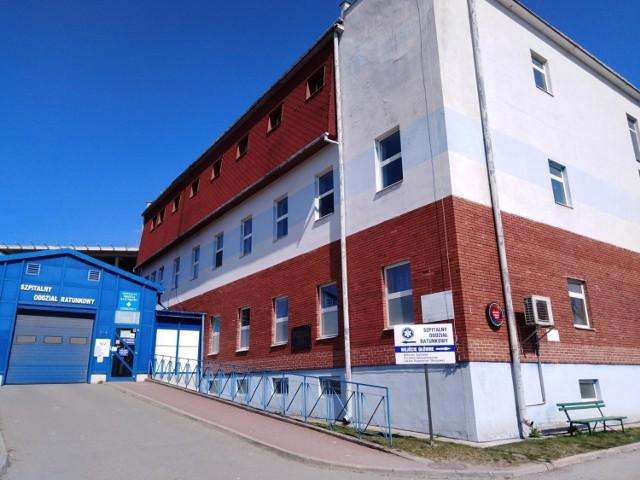 Koronawirus. W Szpitalu Specjalistycznym Artmedik w Jędrzejowie prawie wszystkie łóżka covidowe są już zajęte.