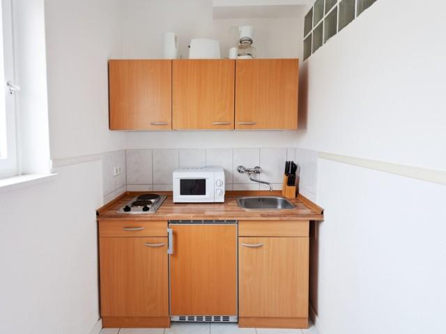 Mieszkania w Polsce nie tylko dużo kosztują, ale też często nie zapewniają odpowiedniej przestrzeni do życia.