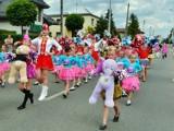 Dni Gminy Ciasna: kolorowo było na ulicach. Korowód mażoretek, orkiestr, gości i mieszkańców [ZDJĘCIA]