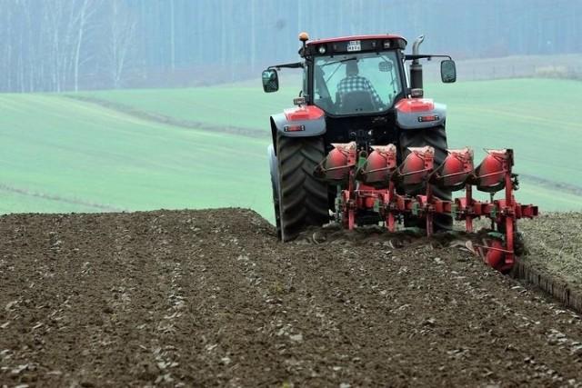 W lutym rolnicy kupili 847 nowych traktorów. To wynik lepszy od ubiegłorocznego o 174 sztuki.