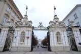 Sukcesy warszawskich uczelni w międzynarodowych rankingach. Absolwenci Koźmińskiego zarabiają 75 tys. dolarów
