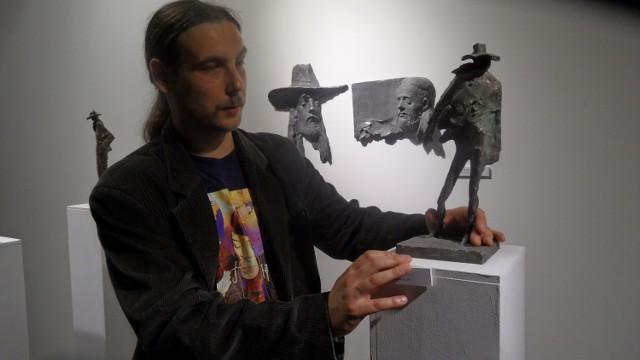 Pomysły Tomasza Wenklara na rzeźby na temat Riedla