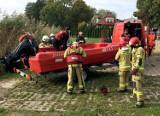 Akcja  strażaków w Osiecznej. Na jeziorze Łoniewskim zauważono dryfujący rower wodny. Nikogo nie było w środku [ZDJĘCIA]