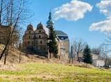 Pałac w Kotlinie Kłodzkiej. Magiczne miejsce powstaje z ruin