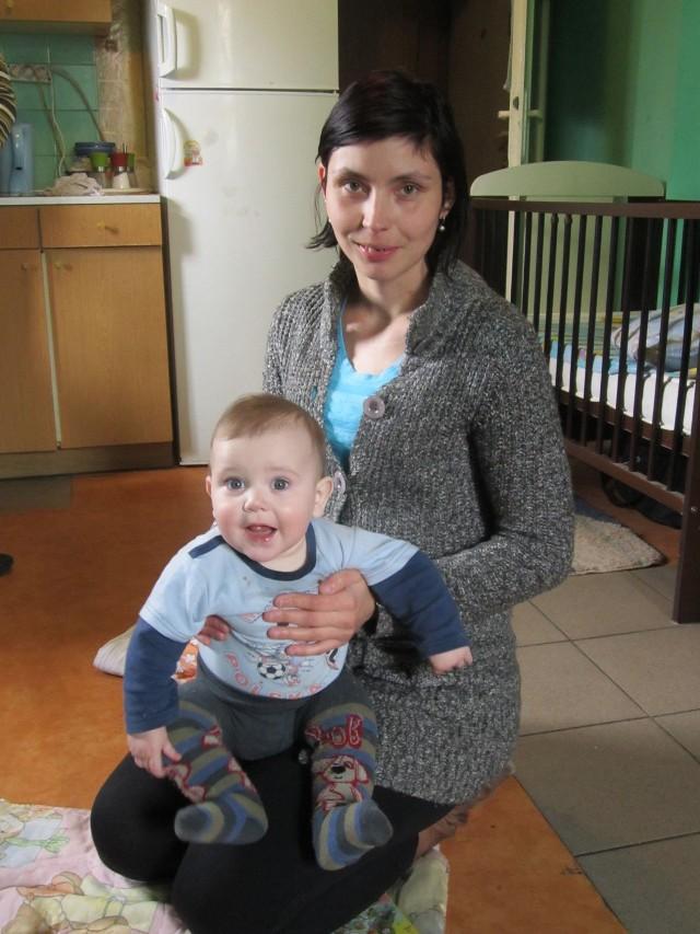 Anna Opioła stara się o większe mieszkanie od pięciu lat. Jej siedmioosobowa rodzina zajmuje 21 metrów kwadratowych