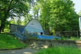 Rybnik: kolejna zmiana oblicza Parku Czempiela w Niedobczycach. Muszla koncertowa przejdzie metamorfozę. Wcześniej powstał plac zabaw