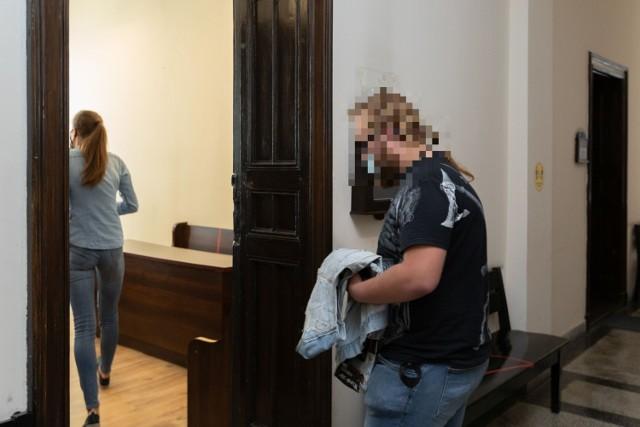 Sąd łagodnie potraktował 18-letniego Michała. Mężczyzna twierdzi, że dokonał kradzieży w akcie sprzeciwu wobec hipokryzji panującej w Kościele