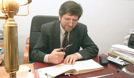 Tomasz Szyjkowski, dyrektor IV Liceum Ogólnokształcącego im Staszica w Sosnowcu podejrzewa, że Stanisław Szyjkowski mógł być kuzynem jego dziadka...