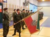 """Kadeci z powiatowej """"szóstki"""" w Brzeszczach złożyli pierwsze w historii szkoły uroczyste ślubowanie"""