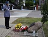 Po Święcie Policji w Bytowie, komendant uczcił pamięć zamordowanych w Katyniu kolegów po fachu