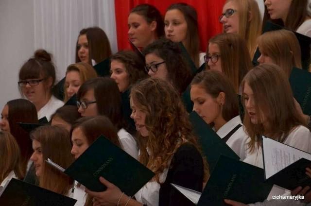 Święto Niepodległości w Liceum i Gimnazjum im. St. Staszica w Pleszewie