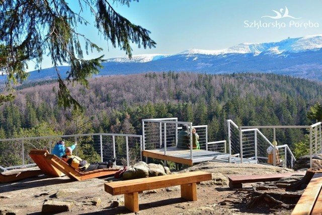 Nowy taras widokowy z piękną panoramą na Karkonosze