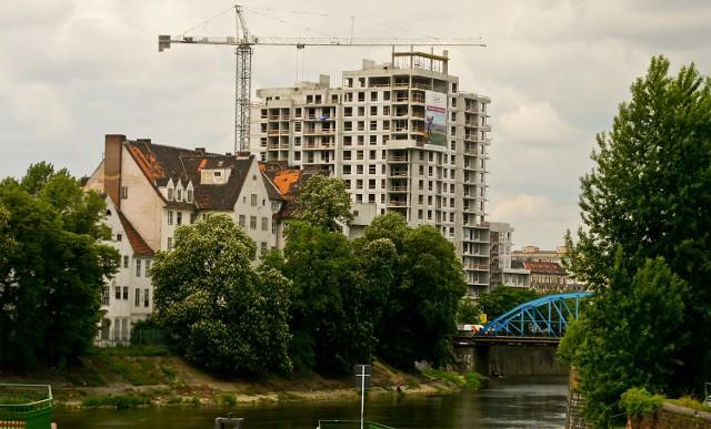 Pod koniec roku oferta mieszkań do sprzedaży jest we Wrocławiu bardzo atrakcyjna. Znacznie gorzej jednak z popytem na nie.